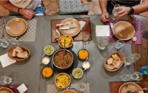 photo repas table d'hôte